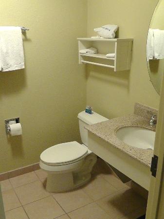 Hotel Abrego: Älteres Bad im 2. Zimmer