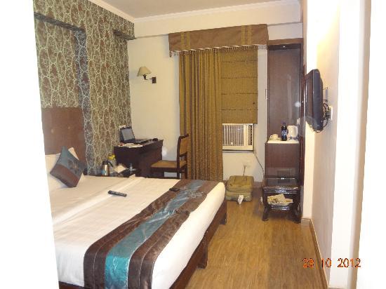 Hotel Rousha Inn: Superior Room View