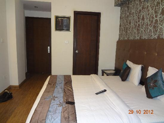 Photo of Hotel Rousha Inn Ghaziabad