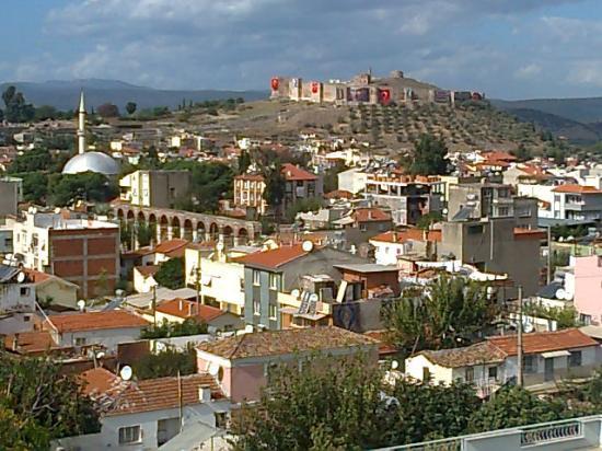 Rilican Hotel: Burgblick von der Terrasse