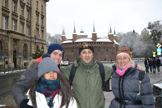 Krakow Tour Guide Christopher: Chris and family in the snow