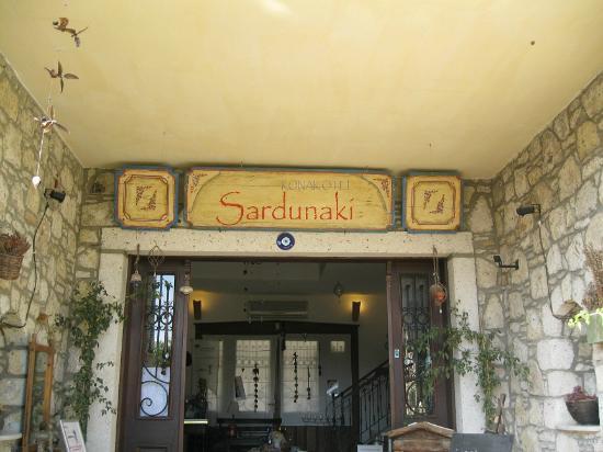 Sardunaki Konak Otel: otel