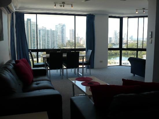 Surfers Plaza Resort: Lounge & dinning