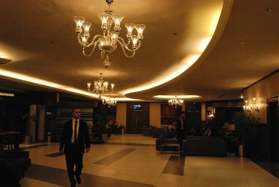 Geneva Hotel: lobby