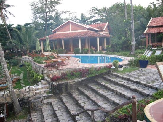 Cassia Cottage: One of the 2 pools