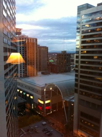 Sheraton Seattle Hotel: looking from 24th floor toward Convention Center