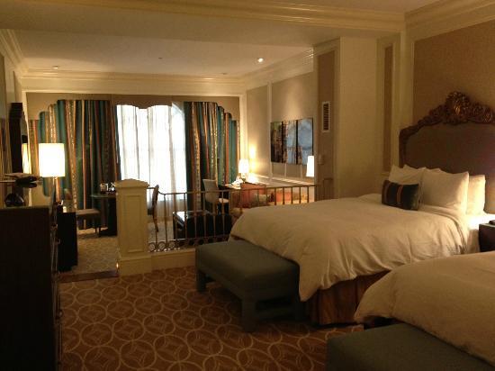 Venetian Las Vegas Room Service