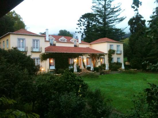 Casa Velha do Palheiro: Vue du bâtiment principal depuis le jardin