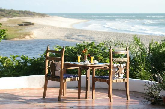 Ras Kutani: Relax over lunch on our patio terrace and during season watch the humpback whale migration