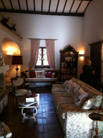 Hotel Lucrezia: sitting room