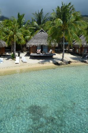 Manava Beach Resort & Spa - Moorea: Our beach bungalow