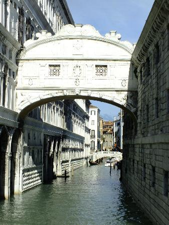 Villa Casanova: Bridge of Sighs