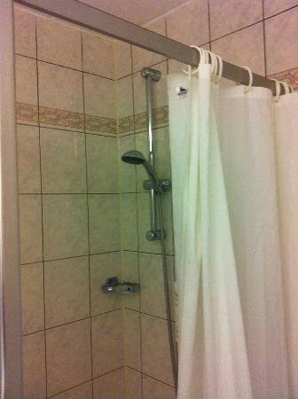 Tulip Inn Leiderdorp: shower