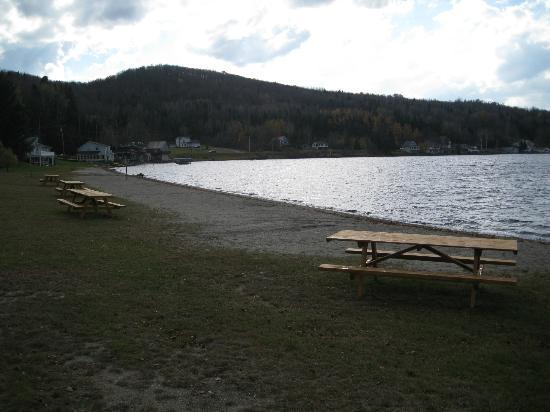Jackson's Lodge: Beach in October