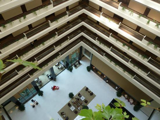 The Oberoi, Mumbai : Atrium