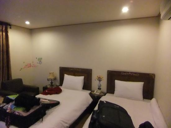 December Hotel Jeju: kitsch but komfy beds