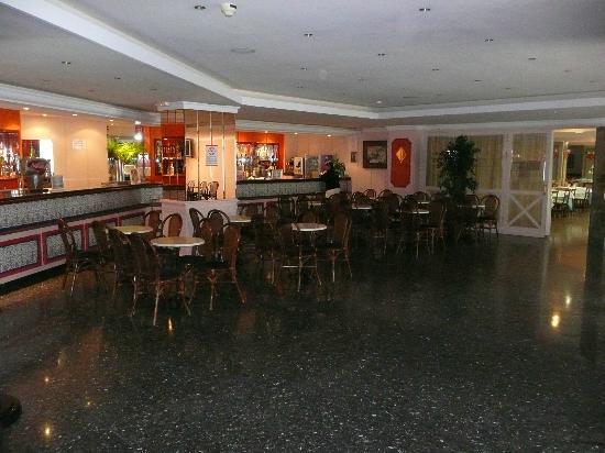 Globales Palmanova: Bar