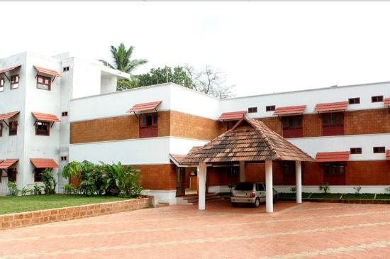 Thapasya Heritage: Front view of the Hotel