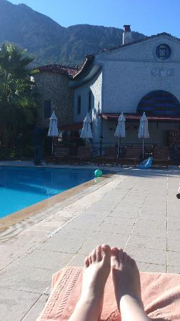Hotel Era: Poolside area