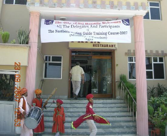 Priya Restaurant - Hospitality at its best
