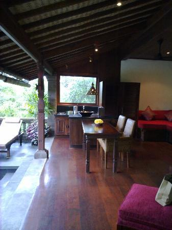 Bidadari Private Villas & Retreat: ground floor open sitting area