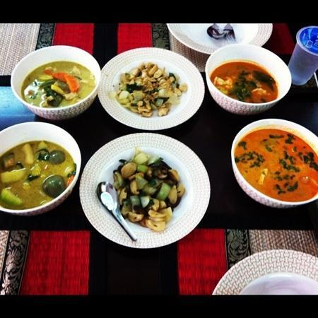 Phuket Thai Cooking Class by VJ (Kata, Karon & Patong): The end result..we ate like 2 lil pigs because it was so delicious!
