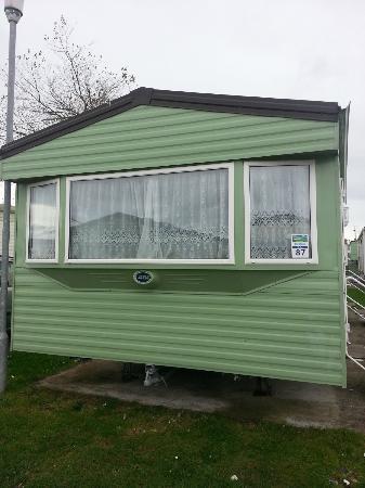 Parkdean - Trecco Bay Holiday Park: Main Caravan in 'Cedars' area
