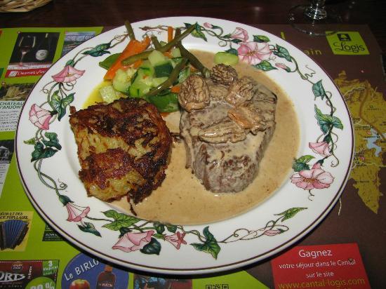 n.17 - restaurant du Logis Le Relais des Remparts (Allanche)