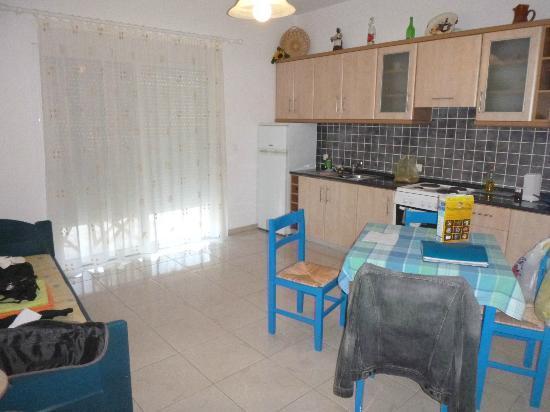 Afandou Village Apartments: la cucina!