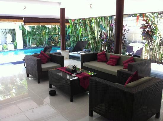 Villa Drupadi: Cozy Living room