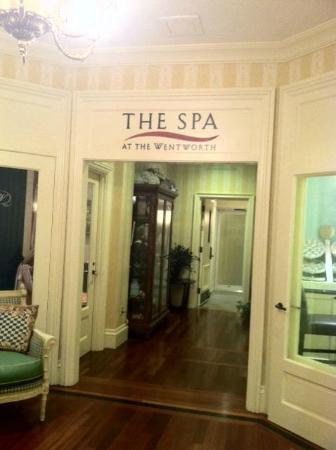 Wentworth by the Sea, A Marriott Hotel & Spa: Hallway leading to private Spa area