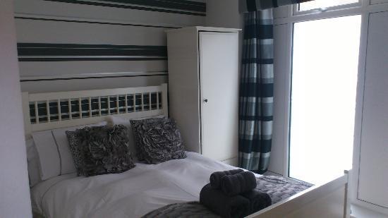 Reubens Court Apartment: bedroom