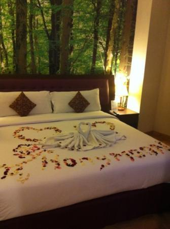 Kuta Central Park Hotel: our honeymoon decoration from hotel.. love it..!!