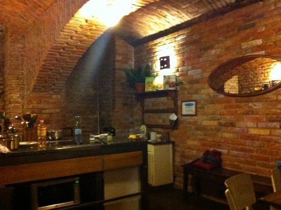 Sir Toby's Hostel: Kitchen