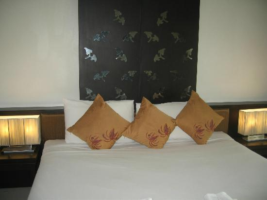 Ananta Burin Resort: Bed3
