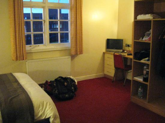 Lloyds of Chester: room