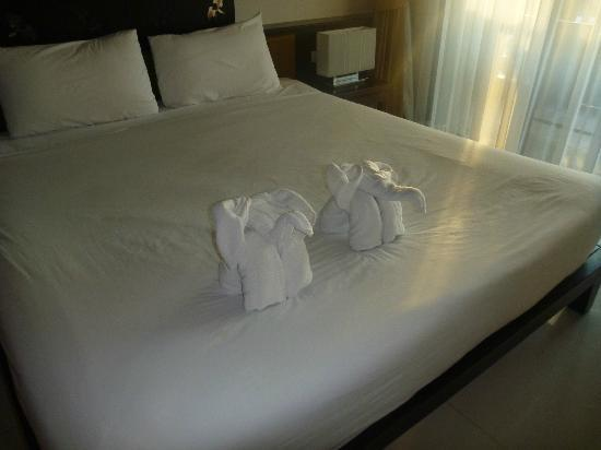 Ananta Burin Resort: Elephant towels 2