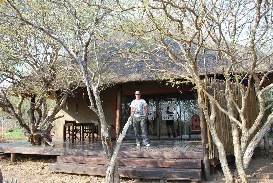 Naledi Bushcamp and Enkoveni Camp: our safari lodge for 4 nights