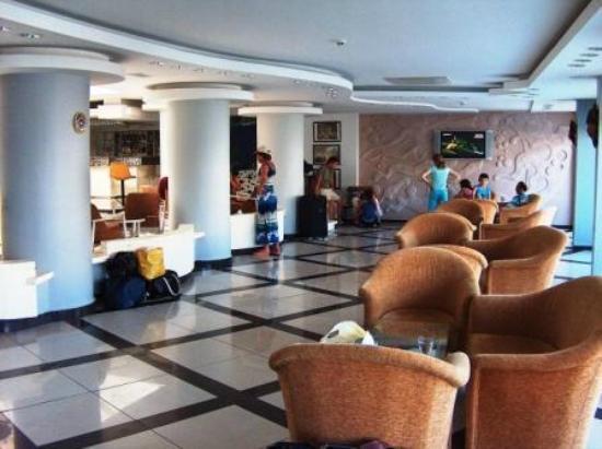 Pirlanta Hotel: loby