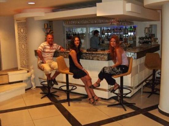 Pirlanta Hotel: lobybar