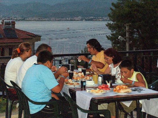 Pirlanta Hotel: terrace