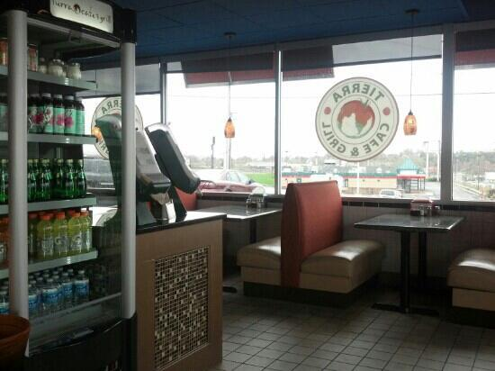 Tierra Cafe & Grill: Dining Area