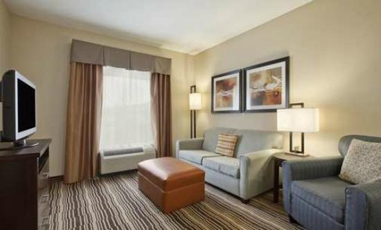 Homewood Suites by Hilton Cedar Rapids North: Comfortable Sofa