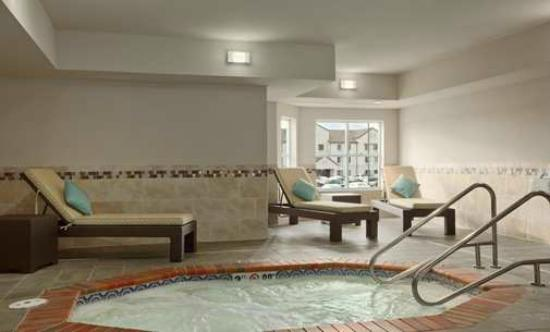 Homewood Suites by Hilton Cedar Rapids North : Whirlpool