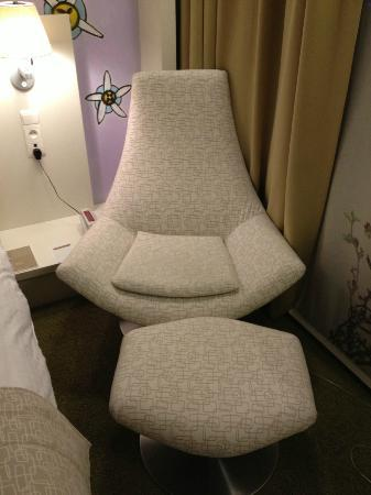 Hotel BLOOM!: Room chair