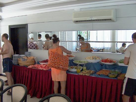 PIRLANTA HOTEL: Buffet