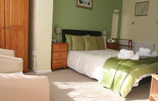 The Swiss Cottage Shanklin: Room 2 Large Double Ground Floor