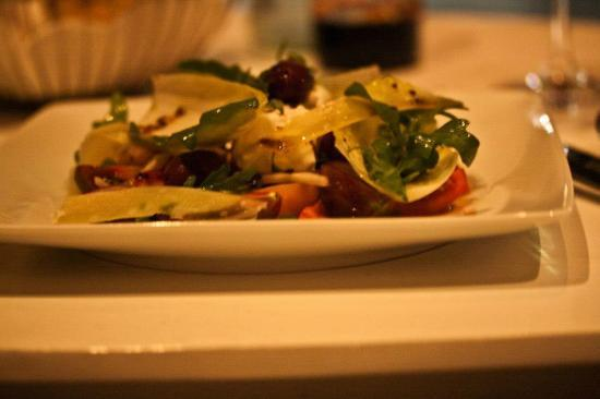 Raphael: Endive hearts and tomatoes with Hameiri Cheese and black olive oil (8/10)