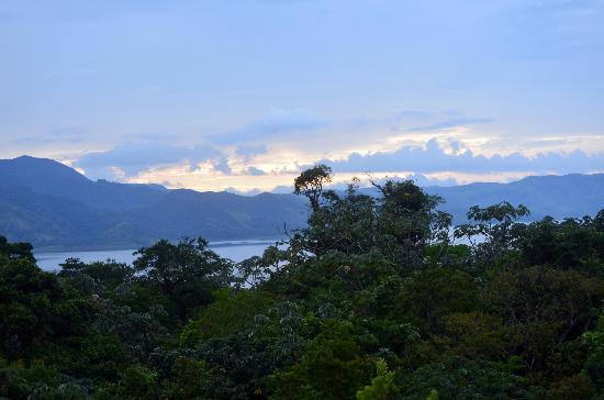 Arenal Adventures: sunset over Lake arenal from the volcano