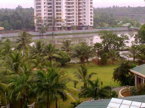 Le Meridien Kochi: view of backwaters from room
